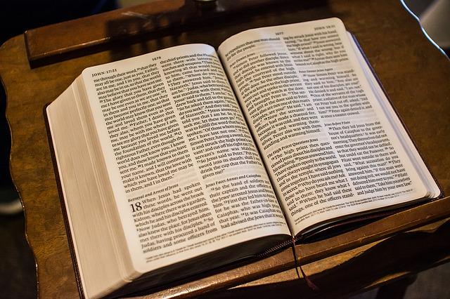 Open bible-1281216_640