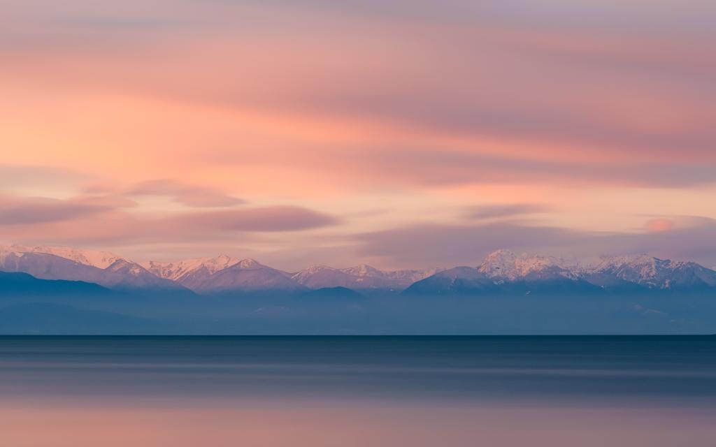 Olympic Mountains - by john-westrock-642718-unsplash.com