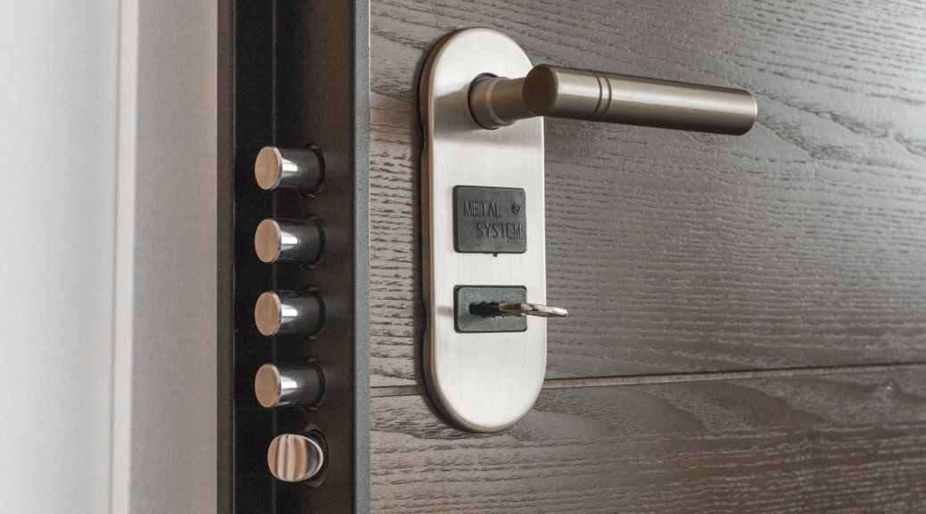 door handle key keyhole